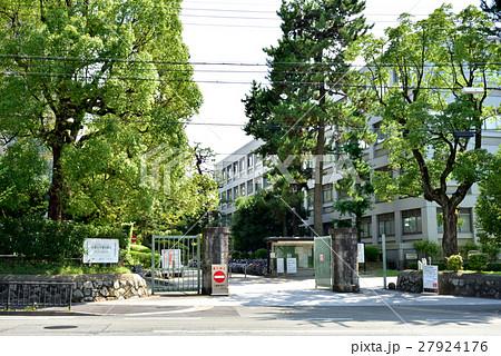 京都大学吉田キャンパス 百万遍門 27924176