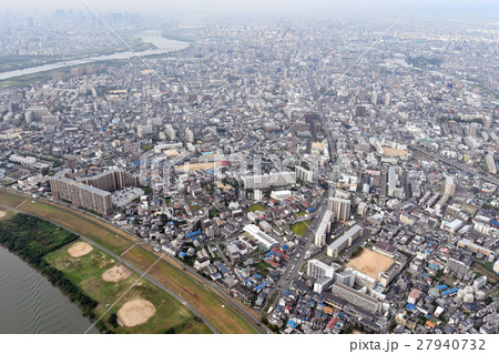 大阪市東淀川区を空撮の写真素材...