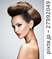 メイクアップ 化粧 格好の写真 27992049