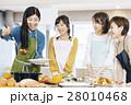 料理 女性 28010468