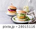 ハンバーガー バーガー ベジタリアンの写真 28015116