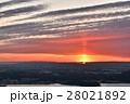 太陽柱と見下ろす街並 28021892