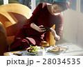 女性 昼食 料理の写真 28034535