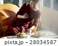 女性 昼食 料理の写真 28034587
