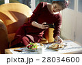 女性 昼食 料理の写真 28034600