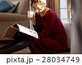 読書をする女性 28034749