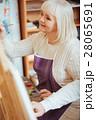 女性 メス ペイントの写真 28065691