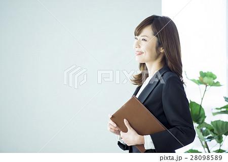 ビジネス 女性 28098589