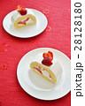 苺(イチゴ)のロールケーキ(Strawberry Roll) 28128180