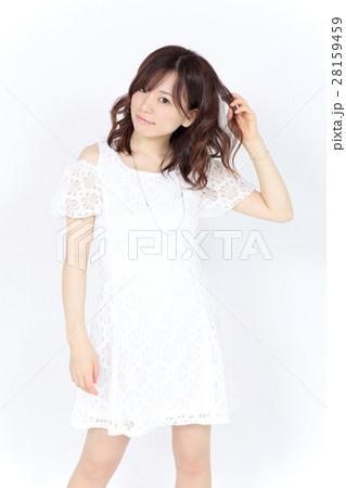 若い女性 ファッション ポートレート 28159459