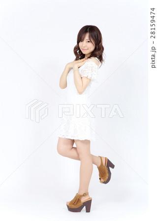 若い女性 ファッション ポートレート 28159474