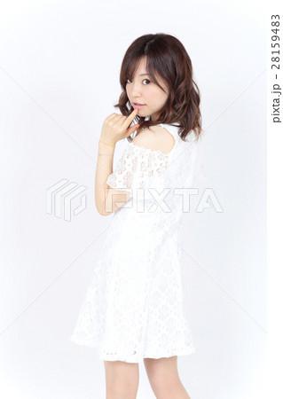 若い女性 ファッション ポートレート 28159483