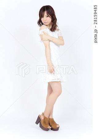 若い女性 ファッション ポートレート 28159485