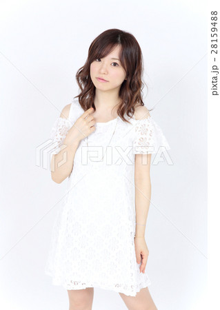 若い女性 ファッション ポートレート 28159488