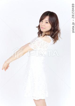 若い女性 ファッション ポートレート 28159489