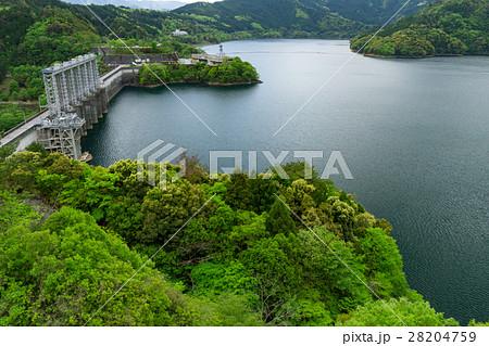 高知_満水の早明浦ダム 28204759