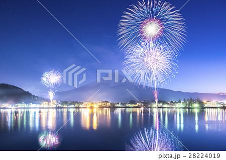 【日本】河口湖の花火 28224019