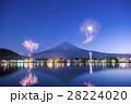 河口湖 花火 富士山の写真 28224020