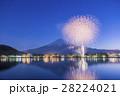 河口湖 花火 富士山の写真 28224021