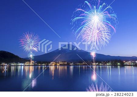 【山梨県】河口湖冬花火 28224023