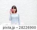 女性 若い カメラ目線の写真 28226900