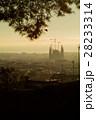グエル公園からのぞむ朝焼けのサグラダ・ファミリア(スペイン-バルセロナ) 28233314