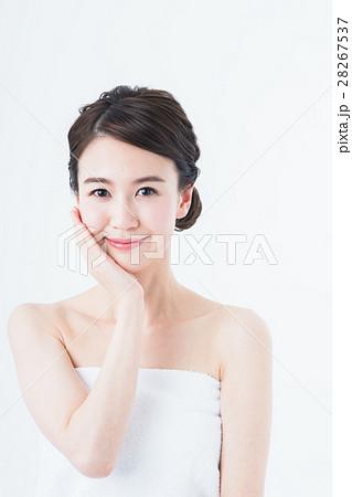 若い女性 28267537