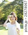 公園でトレーニングしている女性 28278067