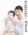 子ども 父親 笑顔の写真 28298818