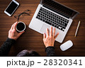 パソコン ノートパソコン コーヒーの写真 28320341