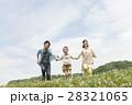 人物 3人 家族の写真 28321065