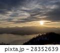 湖畔の夕暮れ(屈斜路湖、太陽あり) 28352639