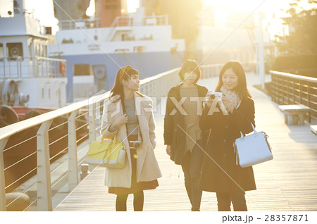 女子旅の記念撮影 尾道市 28357871