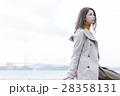 大島を観光する女性 28358131