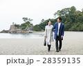 桂浜を観光するカップル 28359135