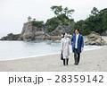 桂浜を観光するカップル 28359142