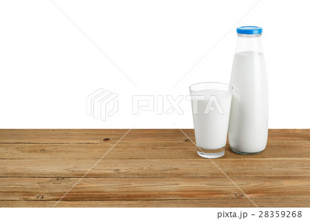 Bottle of milk and glass on white backgroundの写真素材 [28359268] - PIXTA