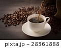 コーヒーを注ぐ 28361888
