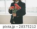 カーネーション 母の日 女子高生の写真 28375212