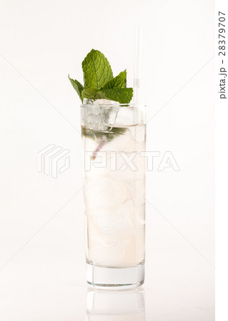 cocktail on the white backgroundの写真素材 [28379707] - PIXTA