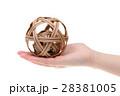 ボール 毬 手の写真 28381005