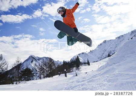 男性 スノーボーダー 28387726