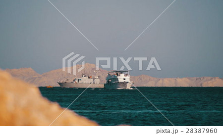 Cruise Boat Floats in the Red Sea 28387960