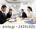 会議 プレゼン 打ち合わせ 女性 男性 チーム ビジネス オフィス ビジネスマン 28391680