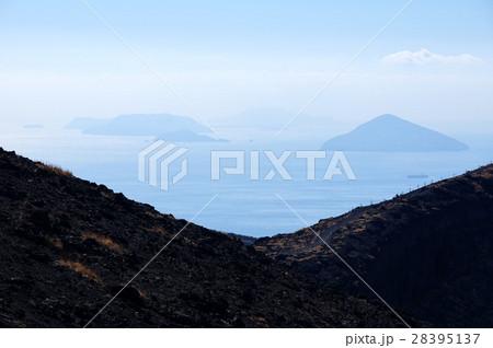 伊豆大島から利島方面を望む 28395137