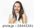 女性 白背景 切り抜きの写真 28443281