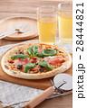 生ハムとバジルのピザのある食卓 28444821