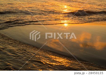 写真素材: 波間2