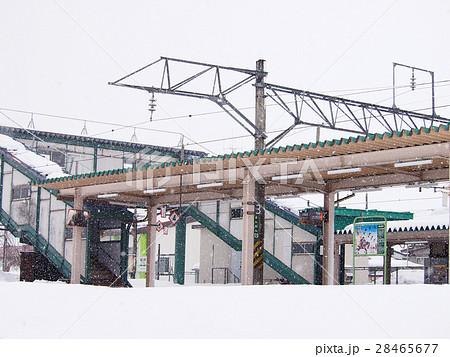 冬の無人駅 28465677