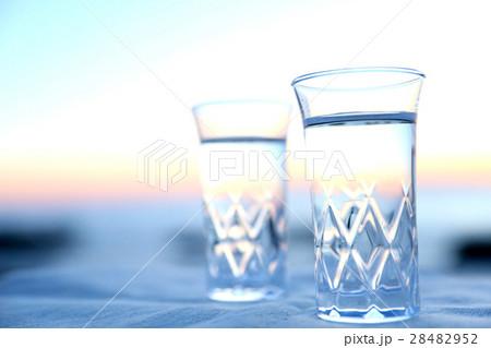 水 コップの写真素材 [28482952] - PIXTA